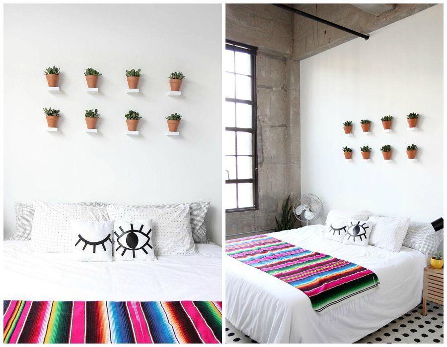 Macetas en la pared. Dormitorio. Habitación. Cama. Decoración pared
