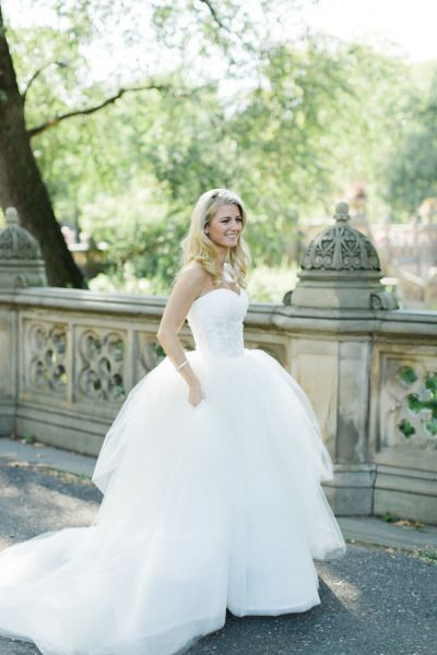 Tendance Robe De Mariée 2017 2018 Beautiful Ballgown Www Stylemepretty Photography Cly By Matthew