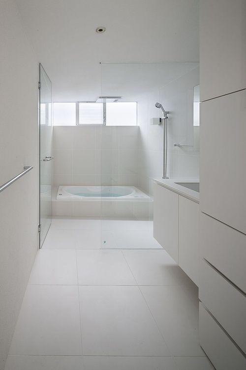 Whiteinterior Sadolin Spalvupasaulis Minimalistisches Badezimmer Badezimmer Design Modernes Badezimmer