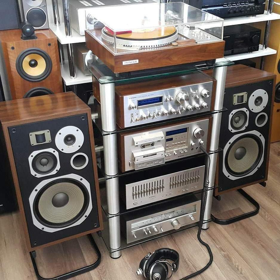 3 230 Otmetok Nravitsya 48 Kommentariev Vintage Audio Love Vintageaudiolove V Instagram He Muzykalnye Komnaty Magnitofon Domashnij Kinozal