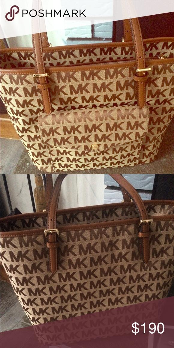 14b38882b0ee77 Michael Kors Jet Set Item LG PKT MF TOTE Brand new signature handbag with  tags!