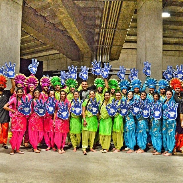Bhangra Empire Flash Mob Proposal At Disneyland Shaadishop