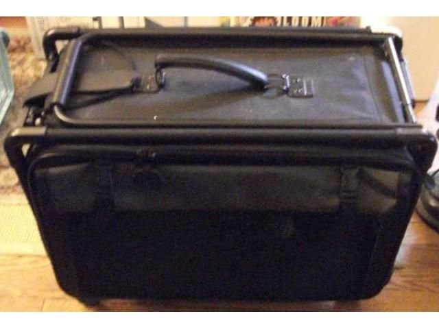 Pet Carrier - like luggage for your pet - $95 (forest hills, NYC)