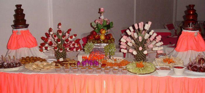 Arreglos de frutas on pinterest mesas fiestas and fruit for Arreglos de salon para xv