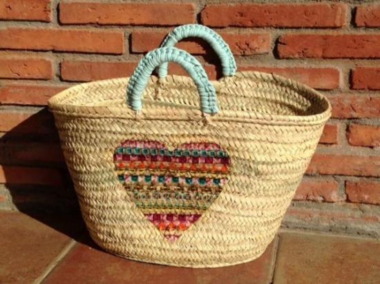capazos decorados con crochet - Cerca con Google Sombreros Pintados A Mano 7746ba776f3