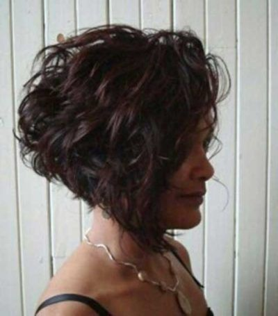 Inverted Bob Hairstyles For Curly Hair Hair Styles And Haircut Ideas Reverse Bob Curly Hair Rever Inverted Bob Hairstyles Curly Angled Bobs Bob Haircut Curly