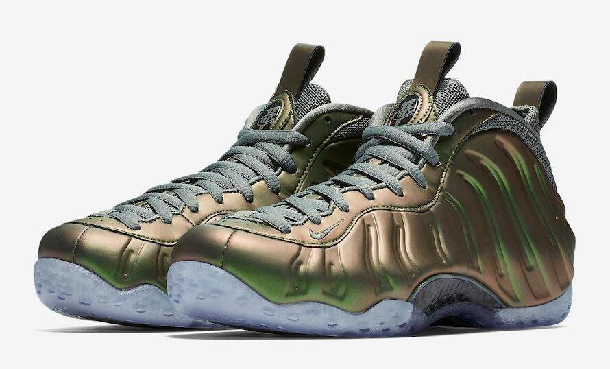 W AIR Foamposite One - AA3963-001 - Size