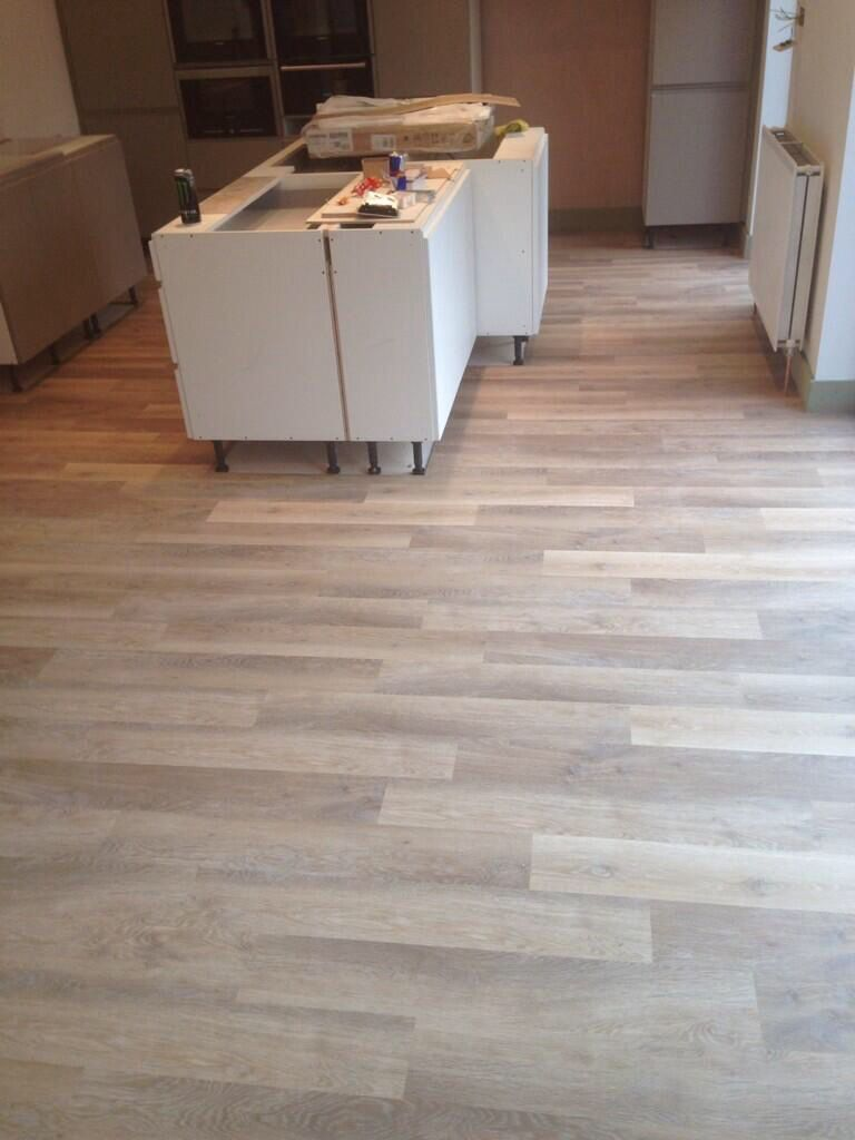 Karndean knight tile lime washed oak flooring for Vinyl kitchen floor tiles