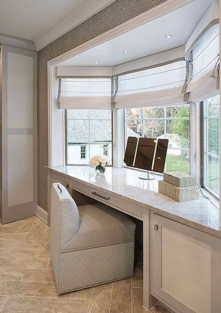 Built in dressing table bay window