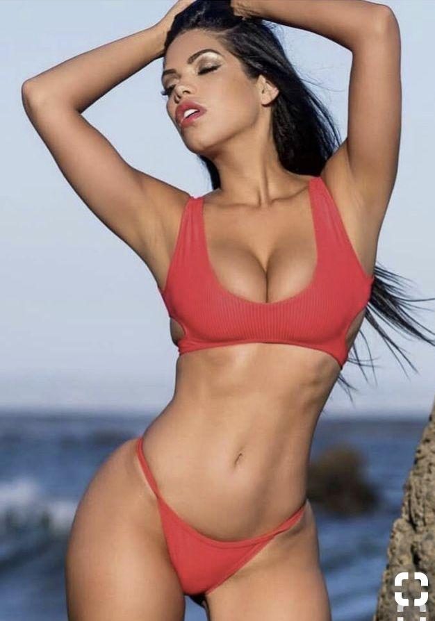 Daily Bikini Babes