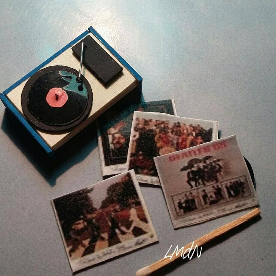Diy Miniature Retro Record Player1 12 Retro Record Player Miniatures Record Player