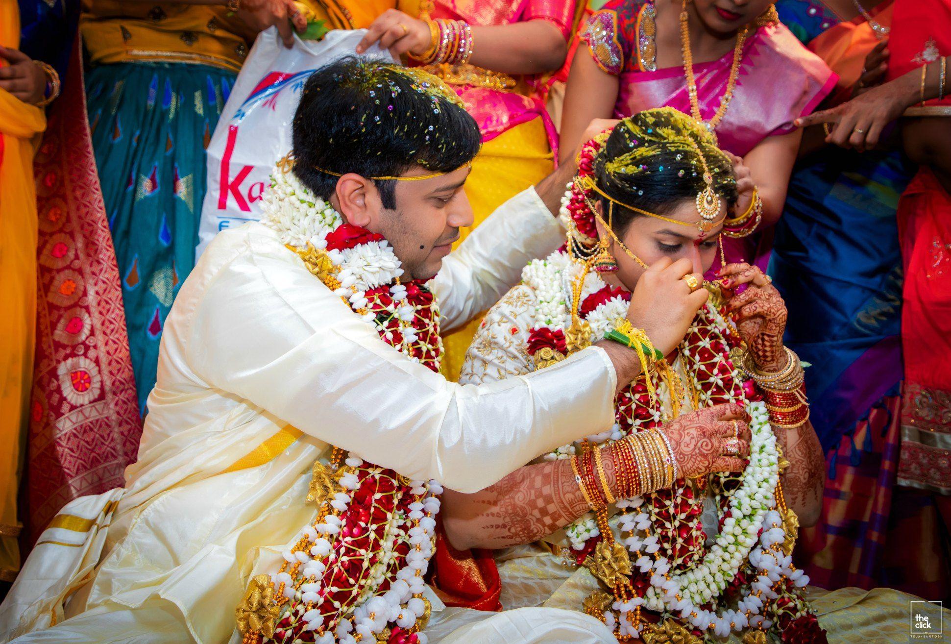 15 Hindu Telugu Rituals For Your Traditional Indian Wedding Day Traditional Indian Wedding Indian Wedding Photography Poses Indian Wedding