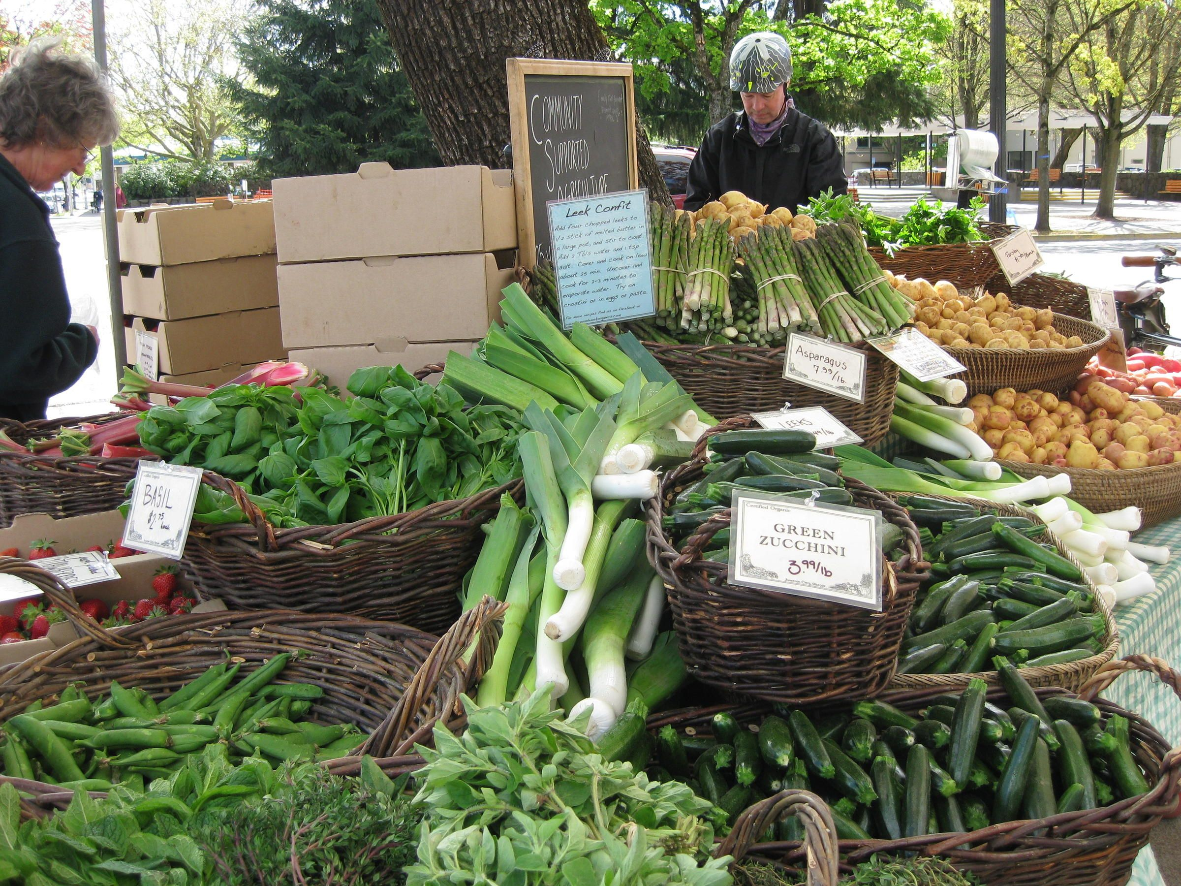 Eugene oregons lane county farmers market is one of the