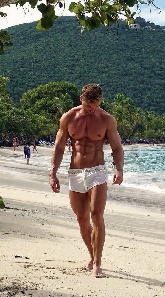 Delong in single gay men