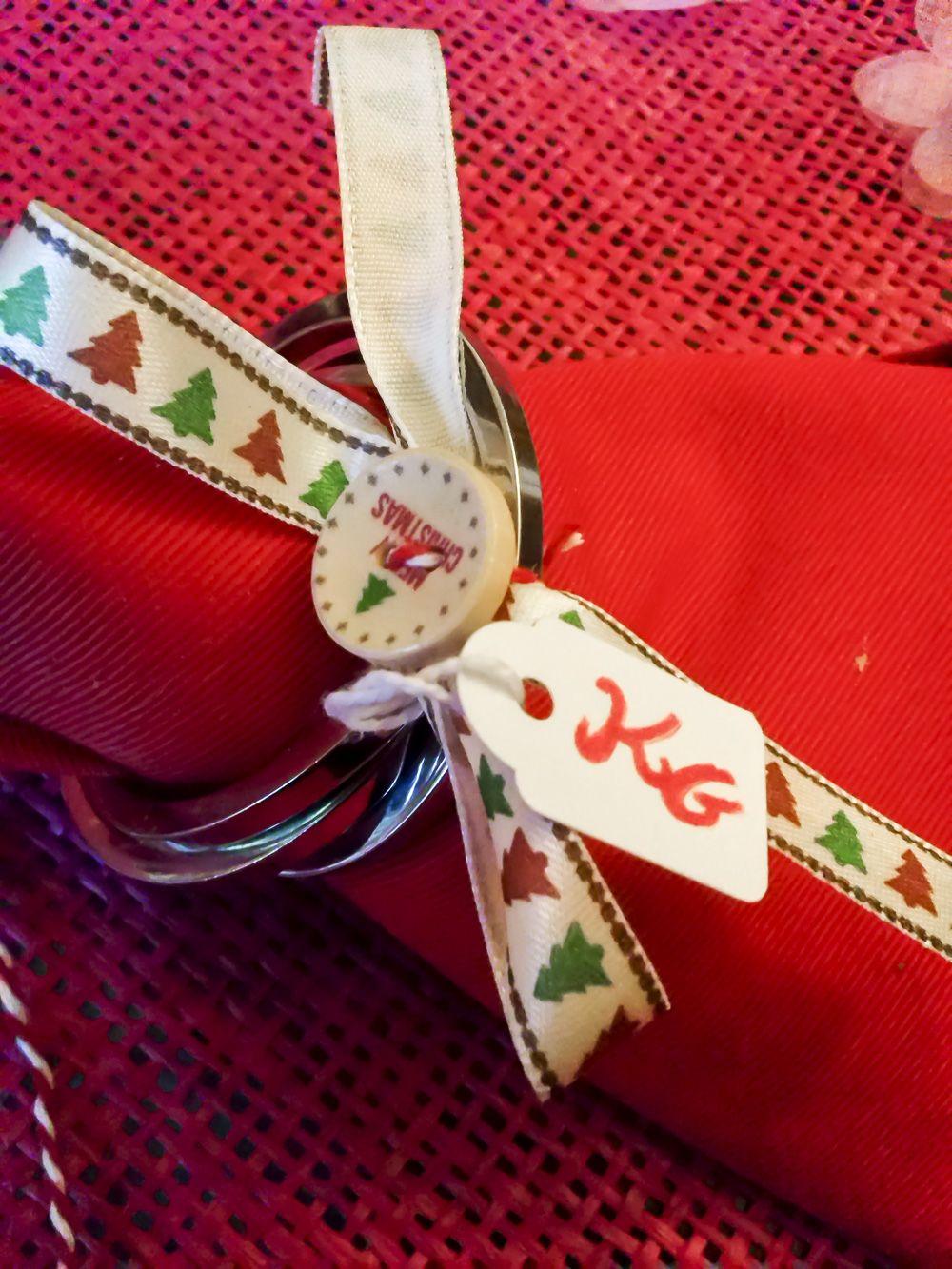 Idee Regalo Natale A Basso Costo.Portatovaglioli Di Natale Una Semplicissima Idea Regalo