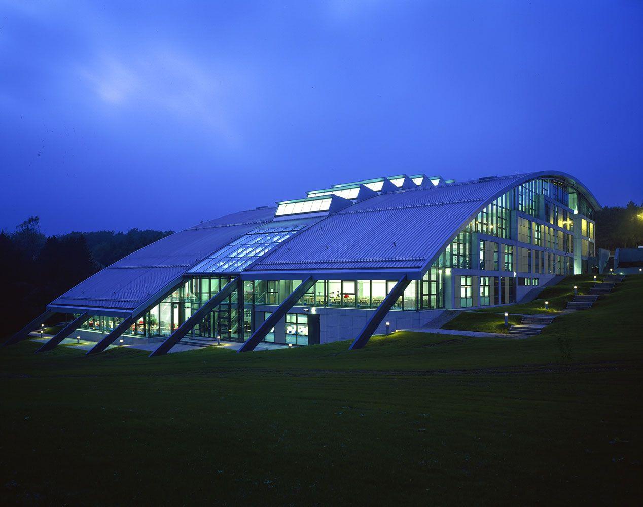 Robert Gordon University in Aberdeen,UK by Norman Foster