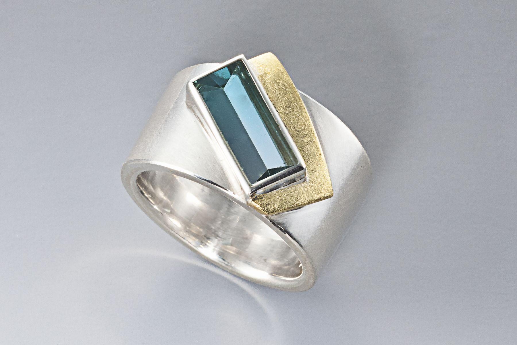 Ring Sterling silver, 18 carat gold, tourmaline