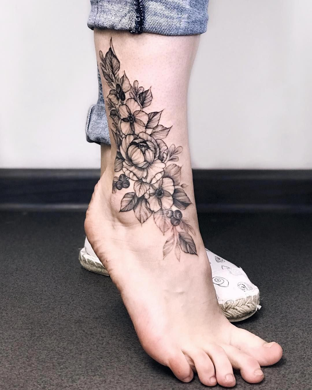 Floral Foot Tattoos : floral, tattoos, Colorful, Tattoos, #Foottattoos, Women,, Floral, Tattoo,, Ankle, Tattoo