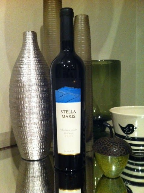 """this is a go-to wine. if you are going to a dinner party and need to pick up a bottle and you want to make sure 1. it's a good one and 2. people will see it and go """"good choice on their part. they must know a good washington red"""" this is it. you can get it at most grocery stores (i know most QFCs have it, as well as central market / met market)"""