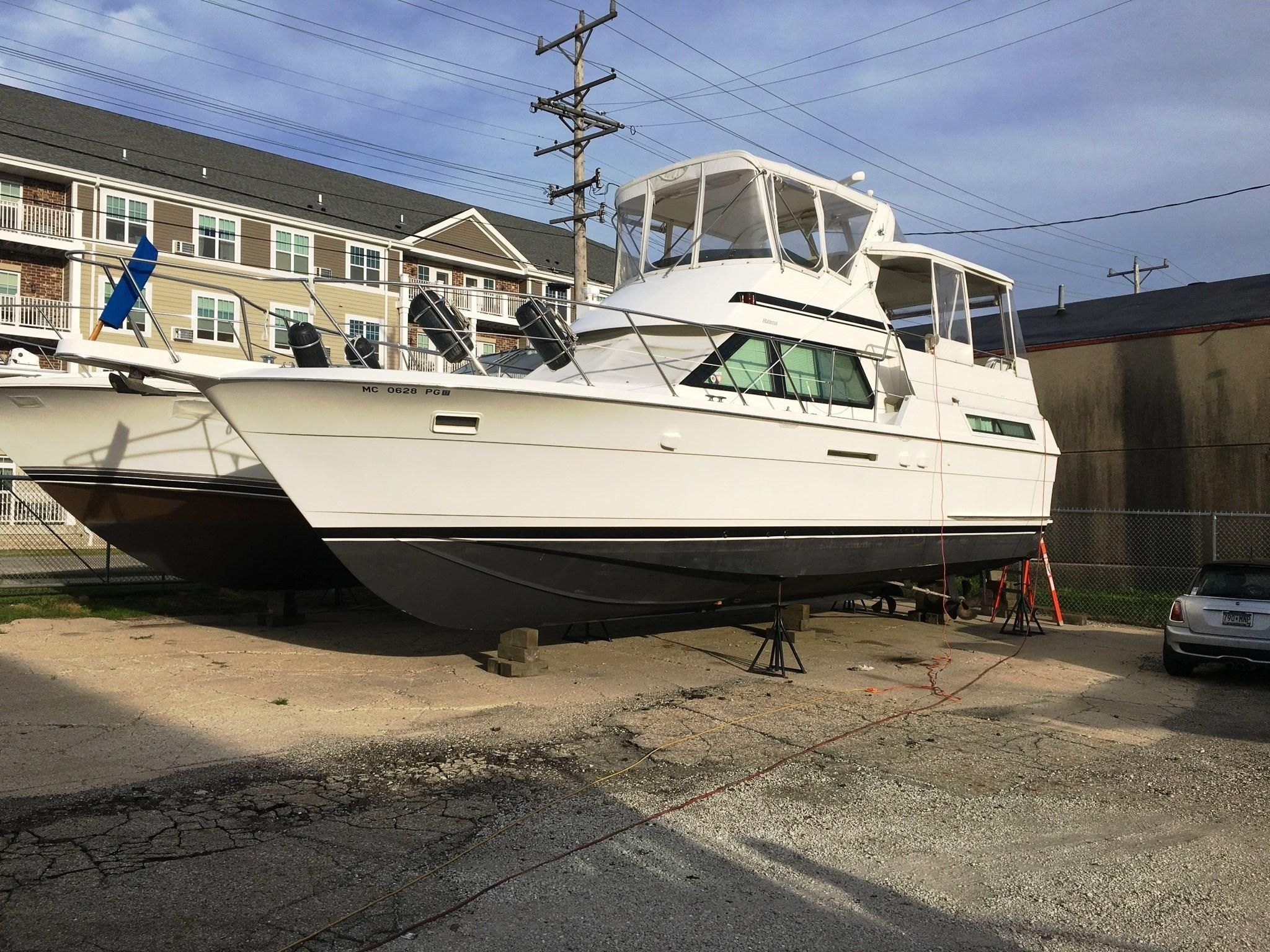 1991 Hatteras 40 Motor Yacht Power Boat For Sale Located In