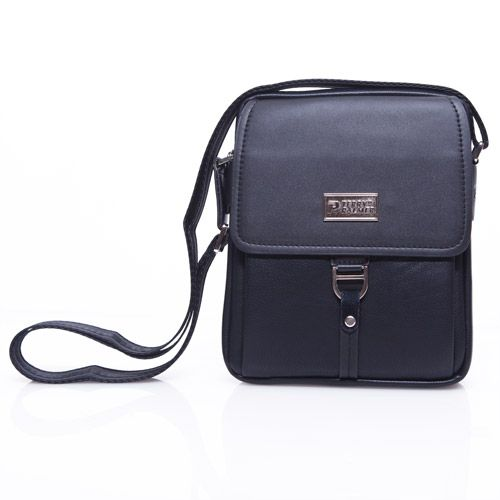 Terry Palmer Black Sling Bag with Buckle Rp. 449.000