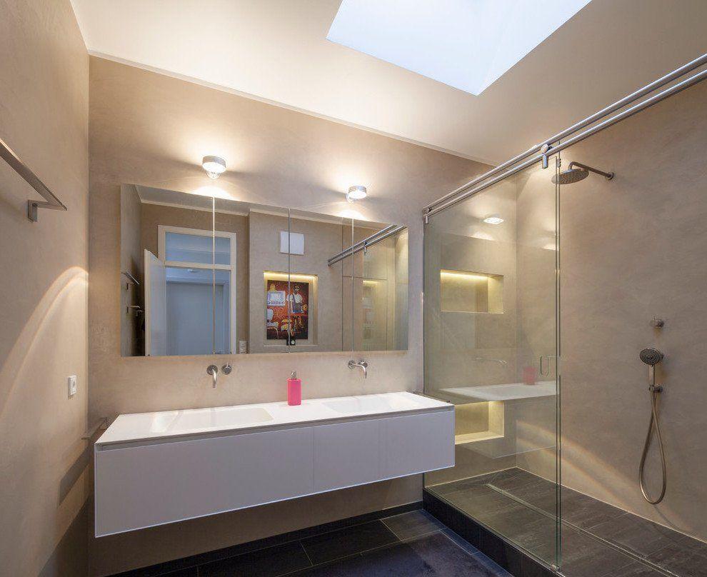 Ein Fugenloses Bad Gibt Ihrer Wohnung Den Letzten Schliff Badezimmer Zenideen In 2020 Bad Renovieren Kosten Fugenloses Bad Bad Renovieren