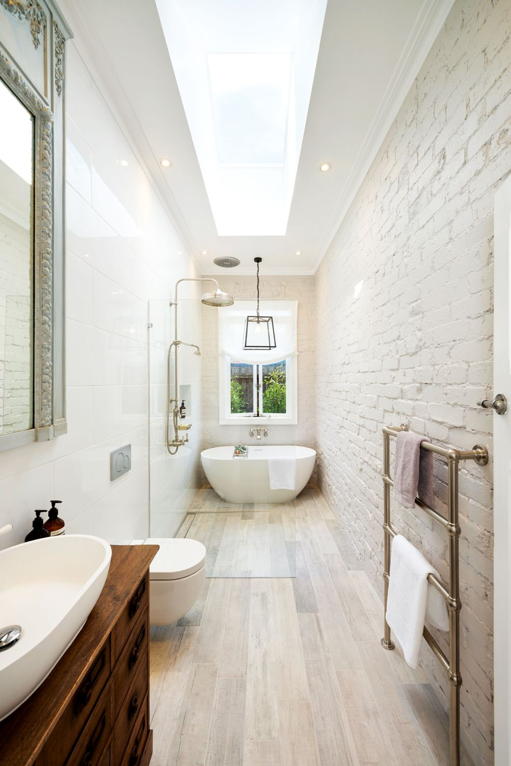Great layout for a narrow space bathrooms pinterest for Narrow baths for small bathrooms