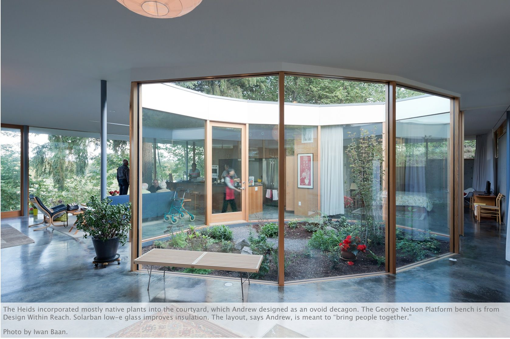 House and garden interiors - A Garden In The Center Of The House Let The Light Shine In I