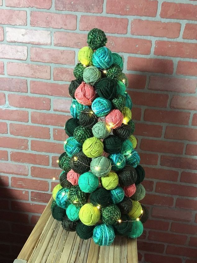 How To Decorate A Christmas Tree With Balls Use Chicken Wire And Dollar Store Ornaments To Make This  Yarn