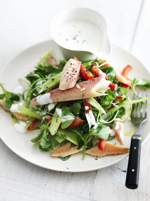 salade van #zomerpostelein met yoghurt en gerookte forel
