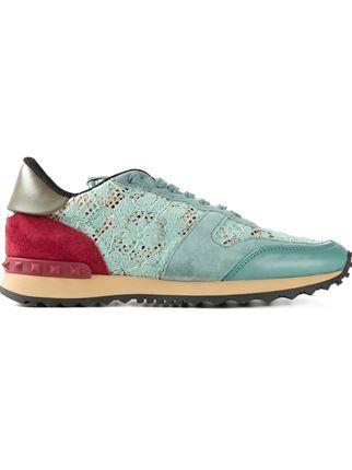961cd9c0aaaa Valentino Garavani Tênis Modelo  rockrunner  - Biondini Paris - Farfetch.com  Luxury Shoes