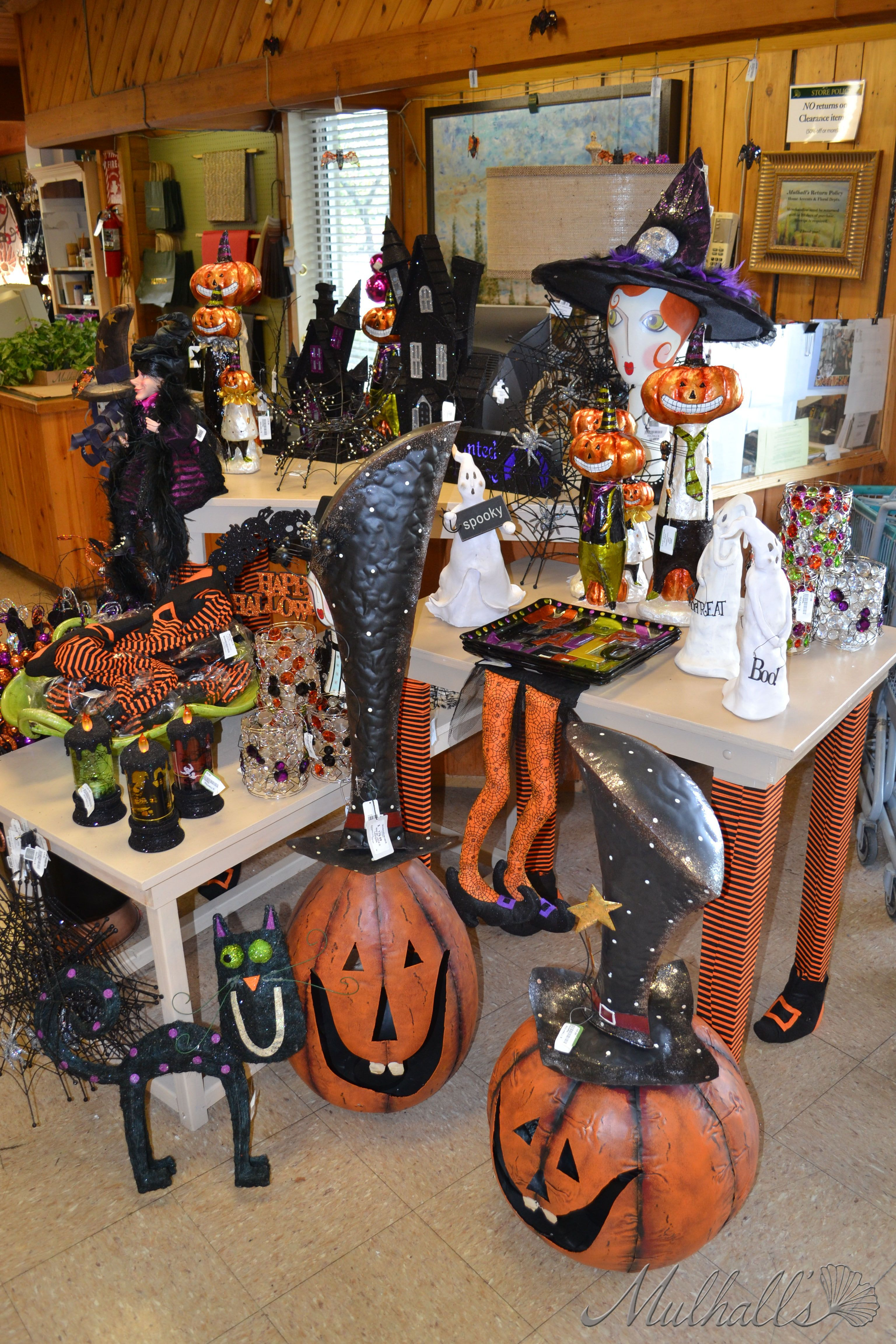 Halloween display in 2020 Halloween displays, Halloween