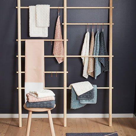 2 Small Bath Towels Grey By Mette Ditmer Designed In Denmark Monoqi Badezimmer Badezimmer Handtucher Und Baden
