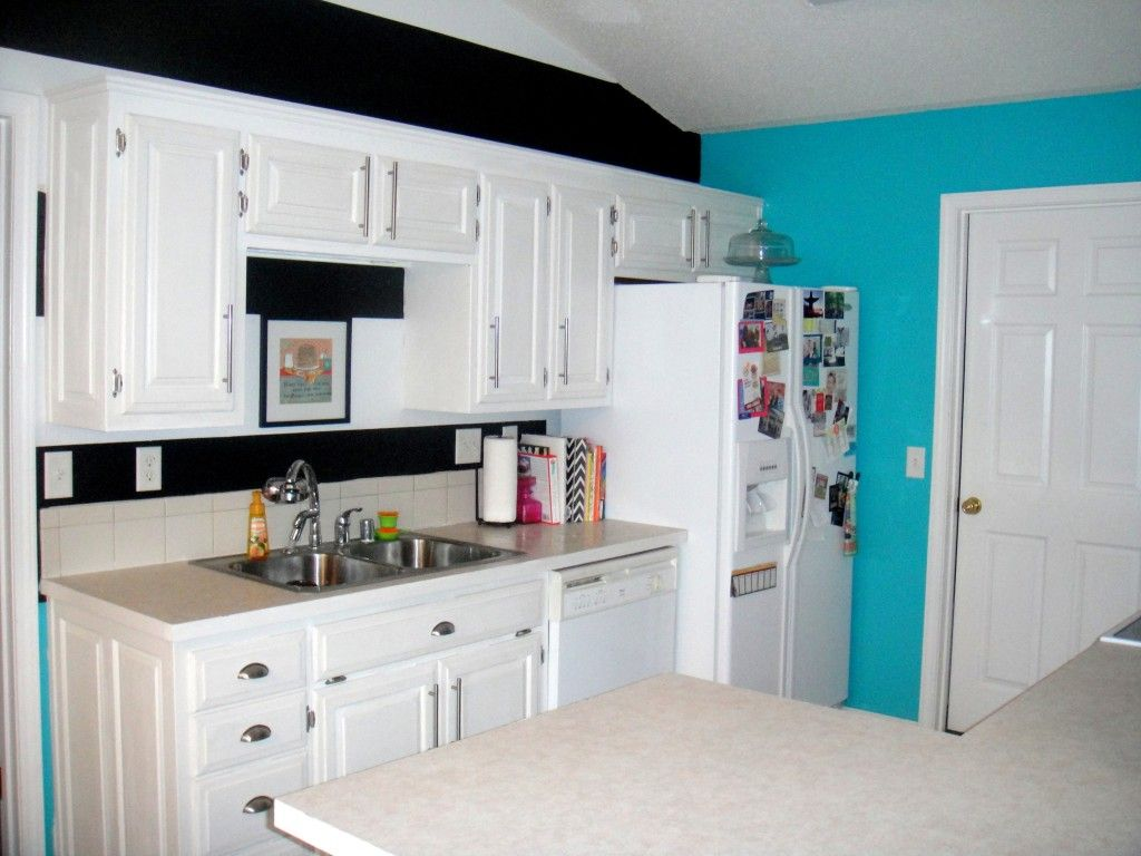 chalk paint cabinets with CeCe Caldwell Chalk Paint   MY BLOG ...