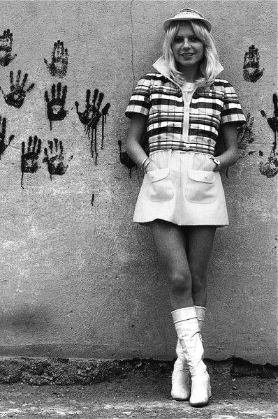 Mini skirts in france Wardrobot Vintage Fashion Mini Skirts 60s Fashion