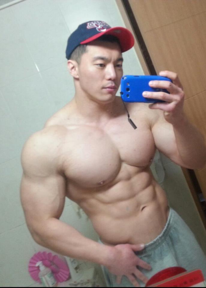 Gay Asian Muscle Men