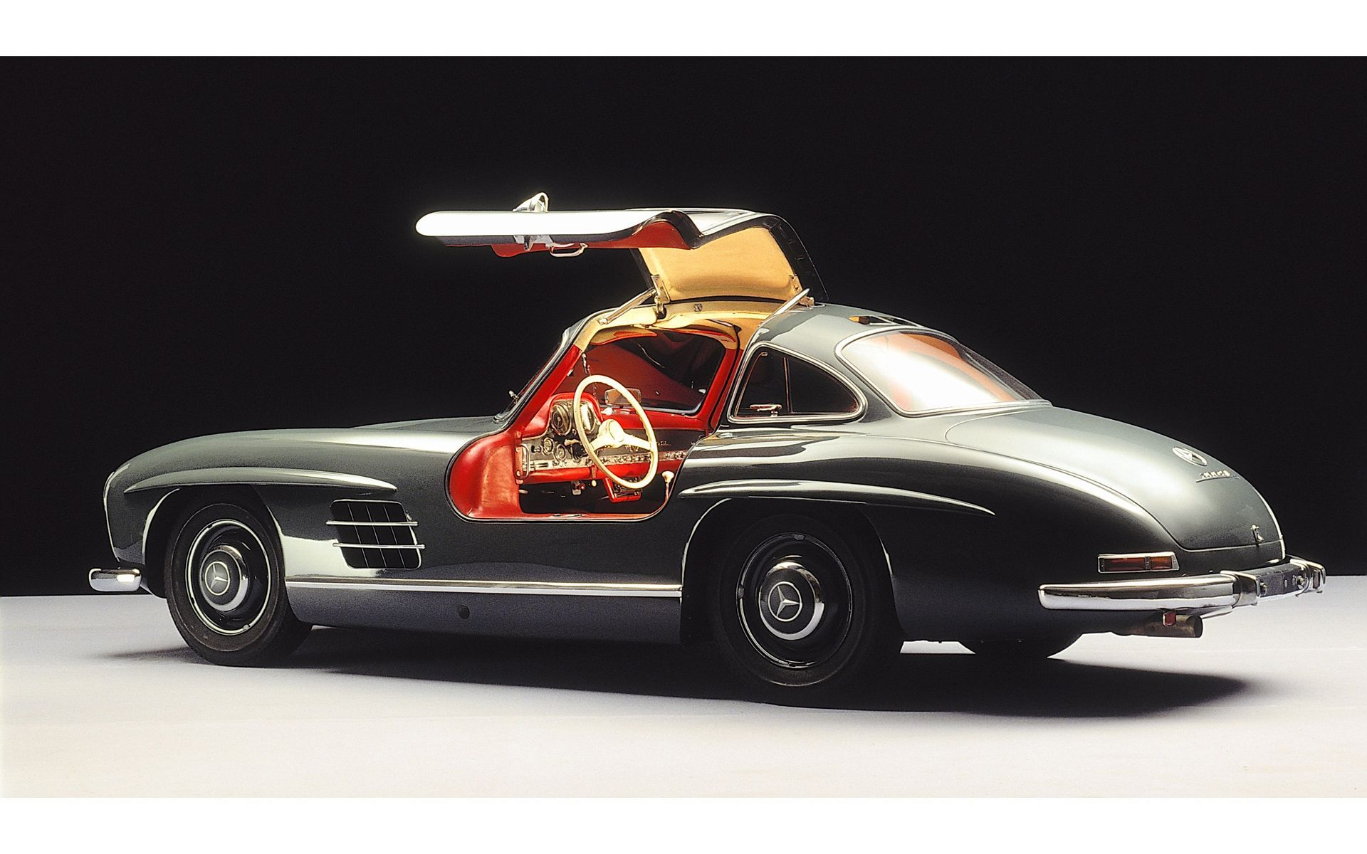 This Is Classic Mercedes Bensz SL300 Gullwing I Would Love To Have One Of These
