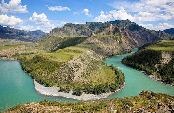 Самая известная река в Горном Алтае — полноводная Катунь ...