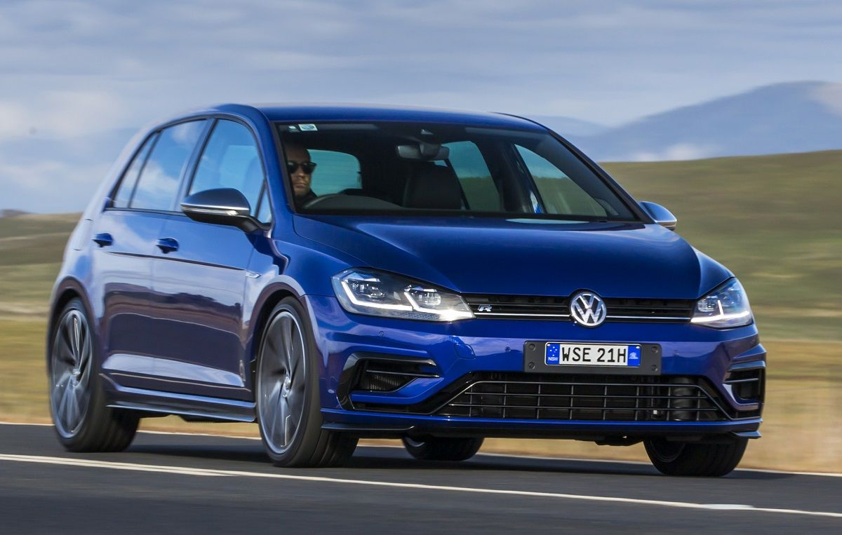 the performance versions of the volkswagen golf 7 5 are. Black Bedroom Furniture Sets. Home Design Ideas