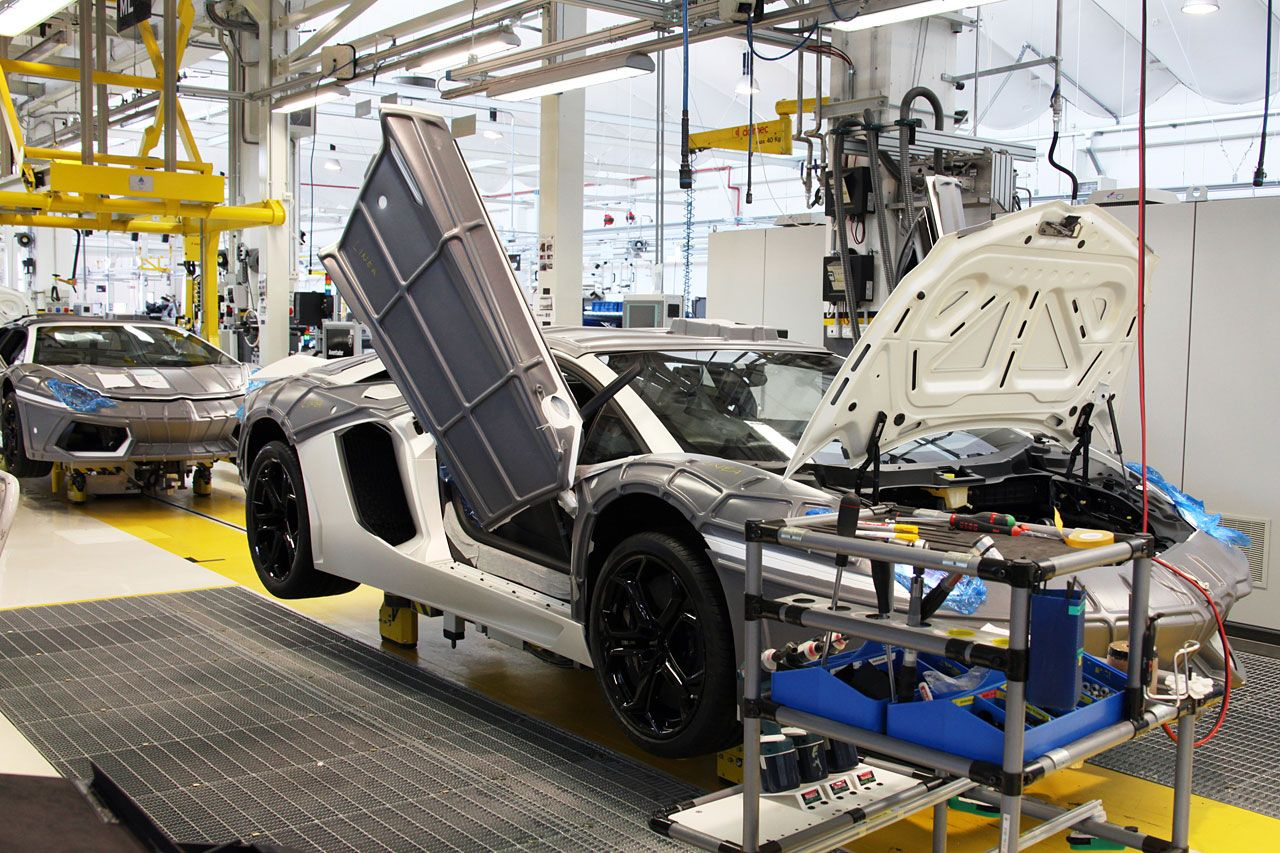 Peek Inside The Lamborghini Factory Lamborghini Images
