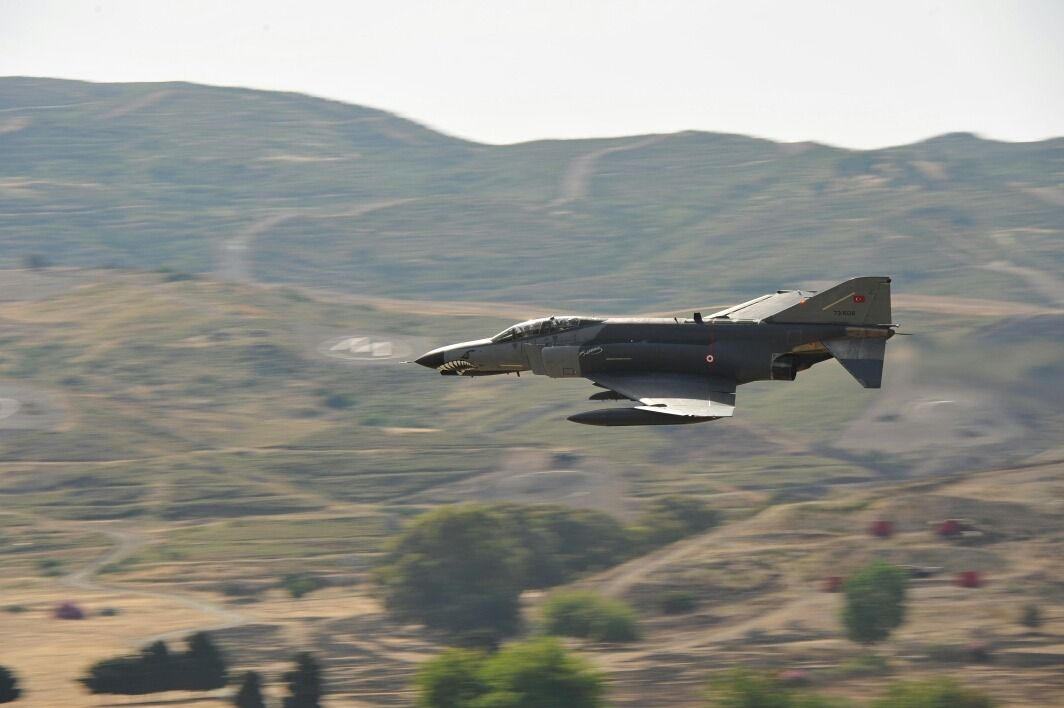 F4 Phantom Ii Of Turkish Af Operating Against Kurdish Nationalists Fighter Jets Fighter Planes Military Jets
