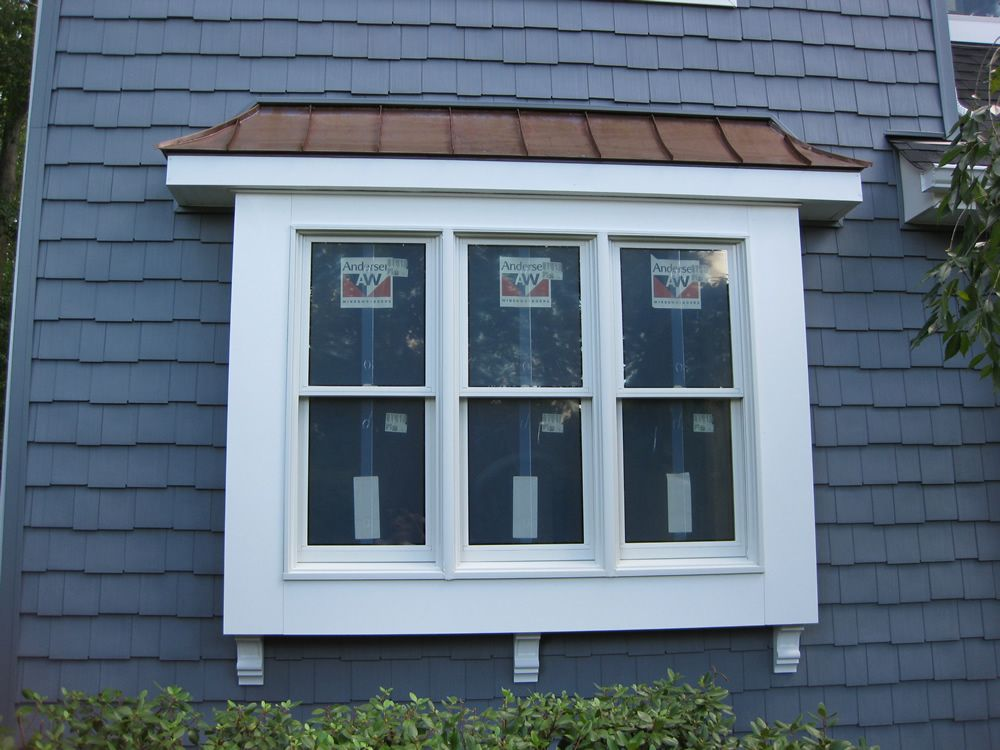 Gaf Timberline Roof Charcoal With Custom Made Copper Certainteed Cedar Impressions D 7 Staggered Edge Bay Window Exterior House Exterior Lake Houses Exterior