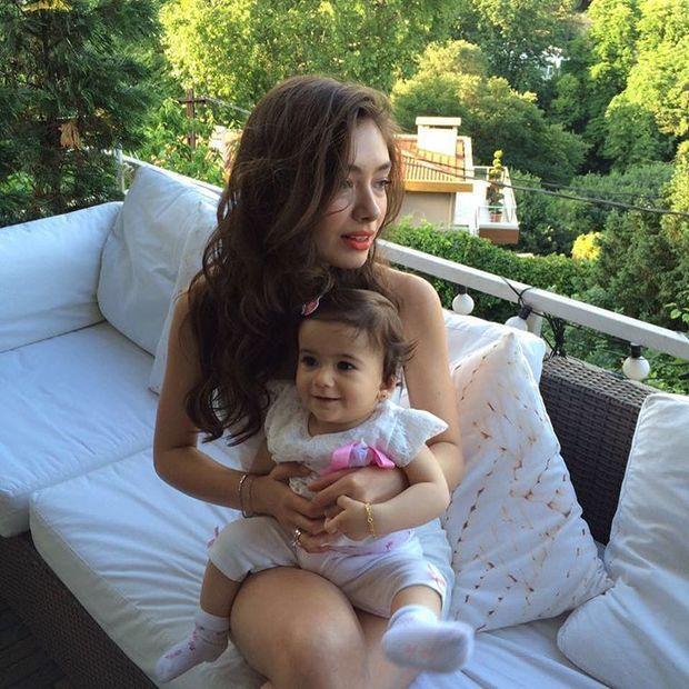 Vaizdo Rezultatas Pagal Uzklausa Neslihan Atagul Sokak Stili Instagram Pictures Turkish Women Beautiful Pictures