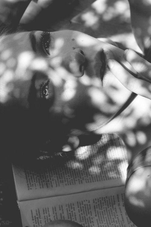 """Résultat de recherche d'images pour """"face under shadows of leaves black'n white"""""""