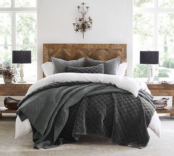 Hensley Reclaimed Wood Bed