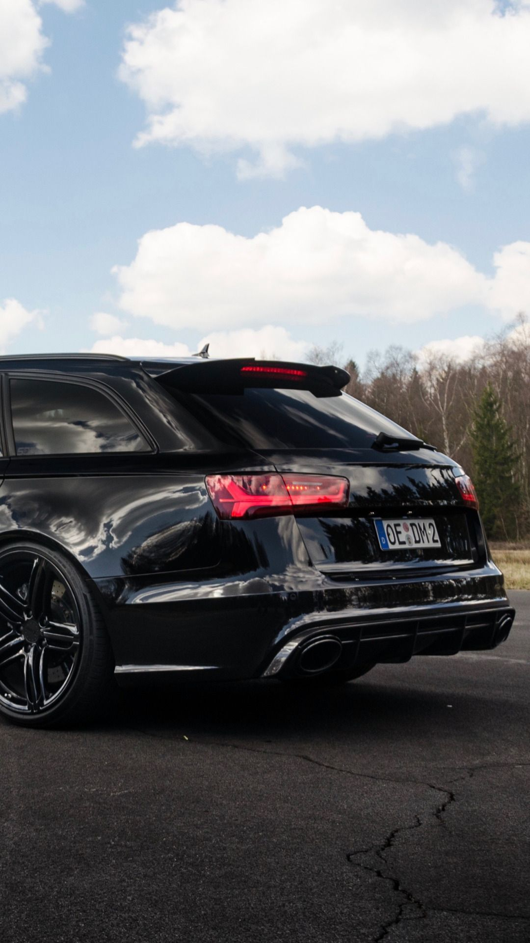 "amazingcars "" BLACKED OUT Audi RS6 awesome shot by Lennard Laar"