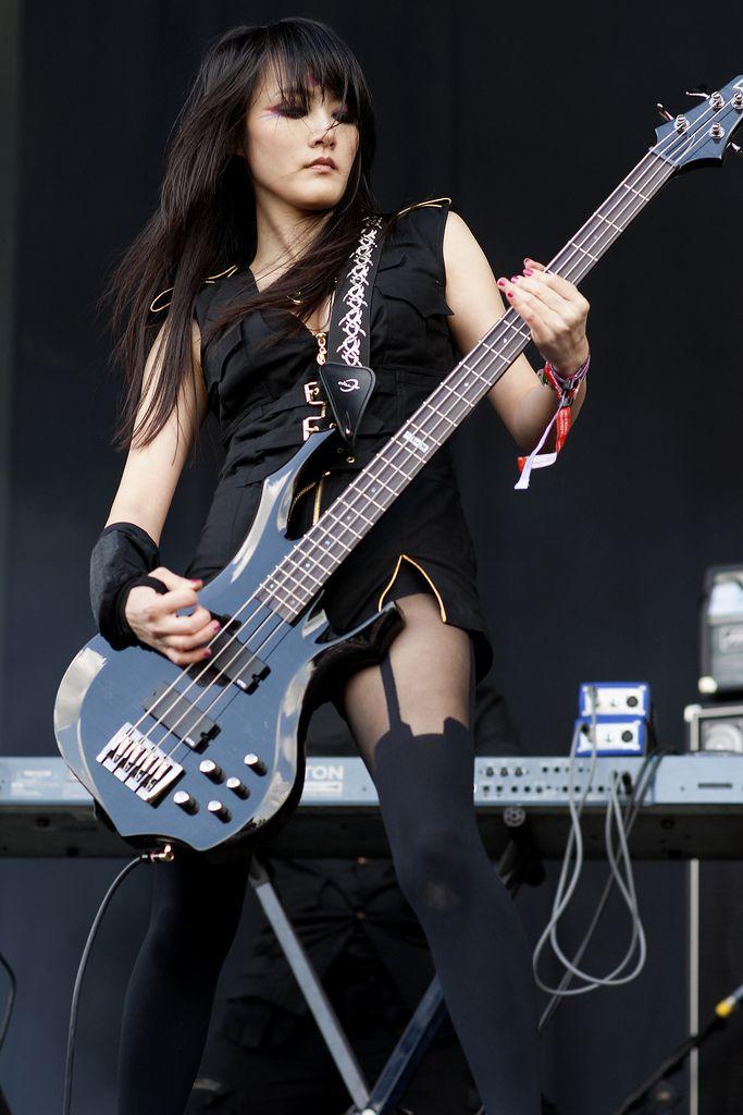 chthonic8 4 string love female bassists guitar girl female guitarist rock music. Black Bedroom Furniture Sets. Home Design Ideas