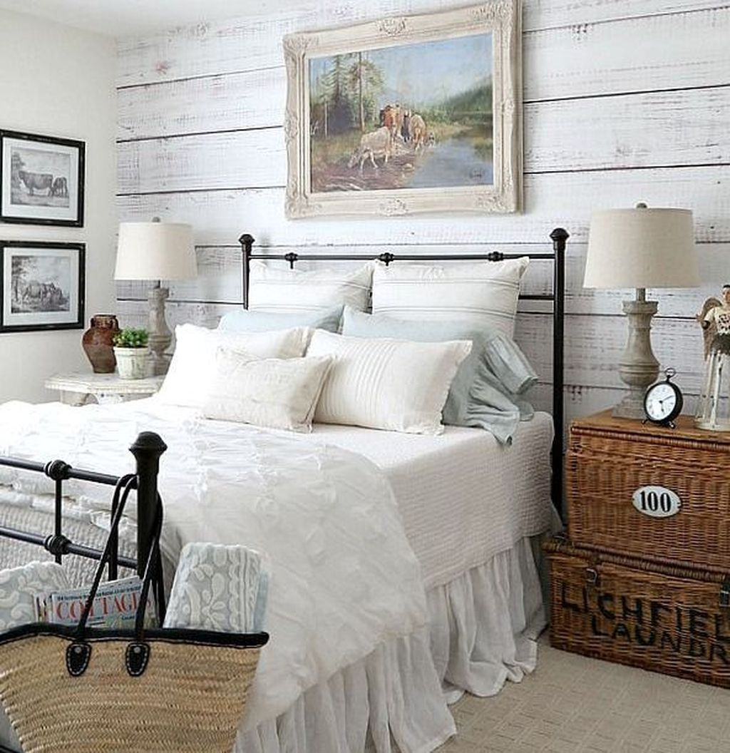 16 Rustic Bedroom Furniture Ideas To Get Farmhouse Charm