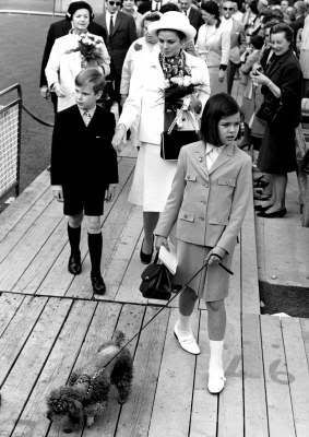 Princess Grace with Prince Albert and Caroline /// uploaded by 2goddesses.
