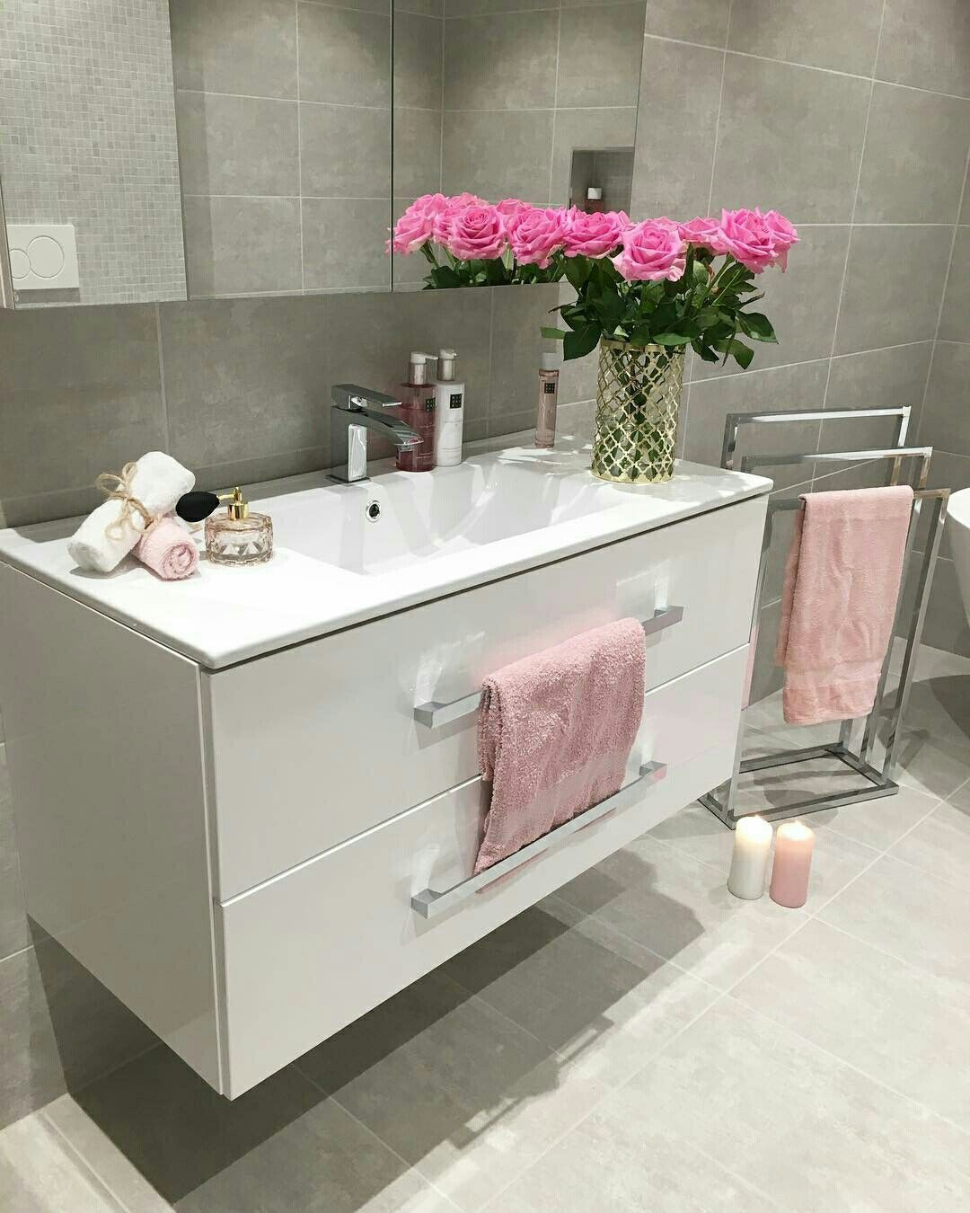 Pin By Dii Gildy On Ideas For The House Pink Bathroom Decor